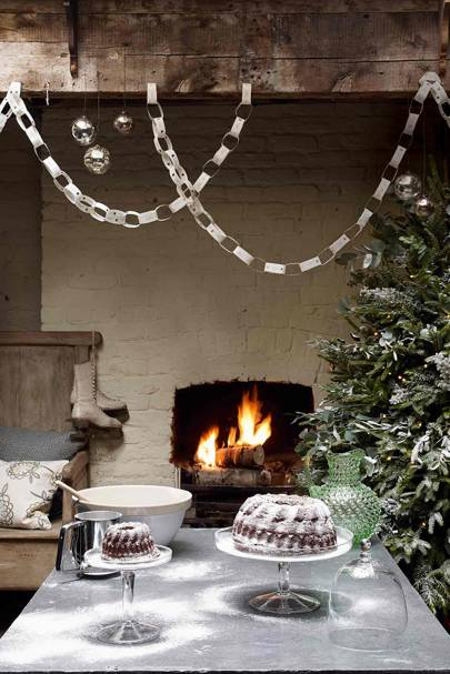 Paper Christmas Decorations | Streamers, Paper Chains ...